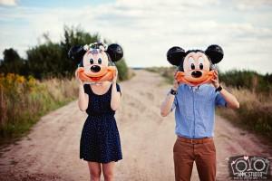 creatywna sesja narzeczenska Disney